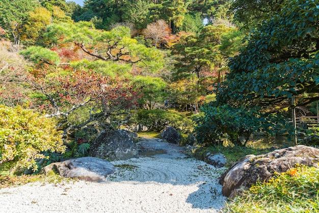 Tuin in zilveren pavillion ginkakuji-tempel in kyoto.