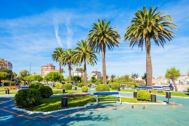 Tuinen van piquio of jardines de piquio in de stad santander, regio cantabrië in spanje
