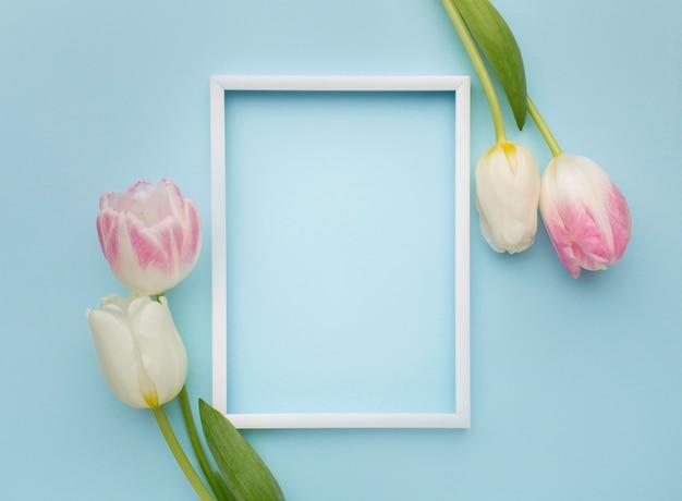 Tulpen met kader ernaast