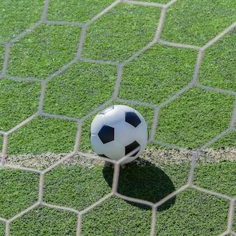 Tung was een voetbal in de wedstrijd.