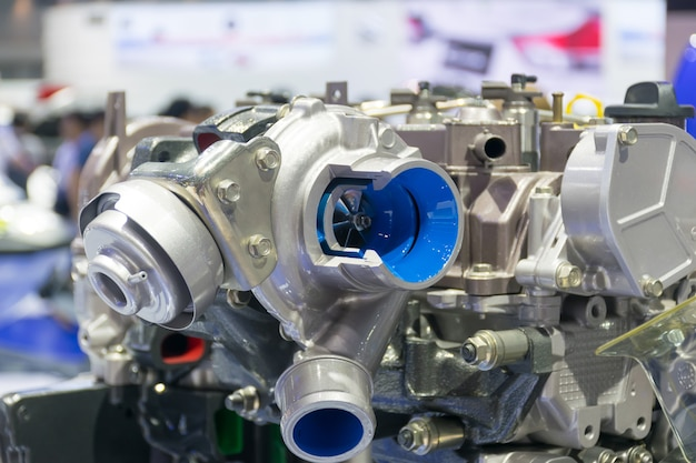 Turbo-auto en systeemengine van technologie