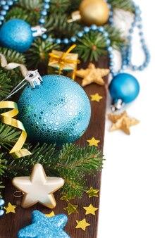 Turkoois en gouden kerst ornamenten grens geïsoleerd