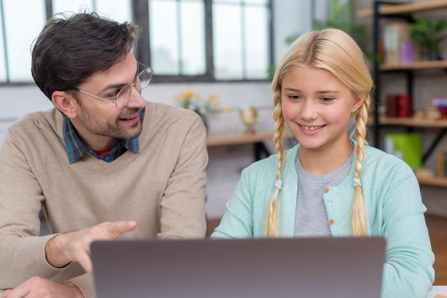 Tutor thuis en leerling leren