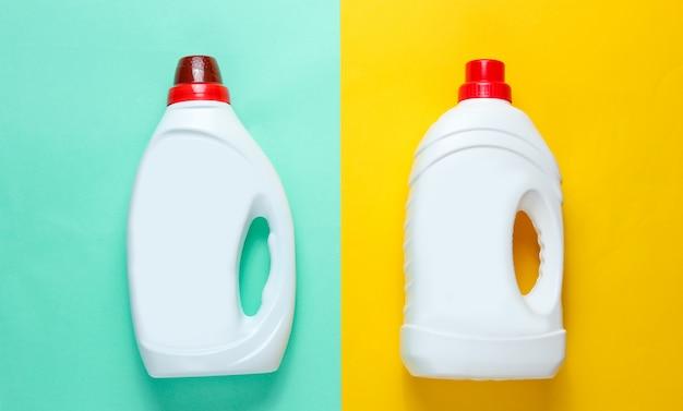 Twee flessen wasgel op blauwe oppervlakte met de tekst wasdag