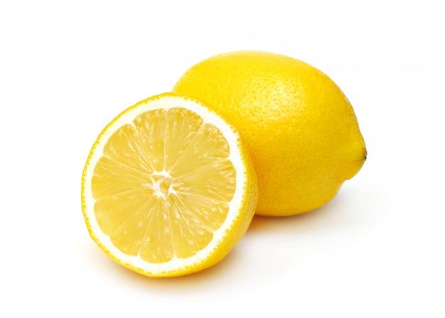 Twee geïsoleerde citroenen