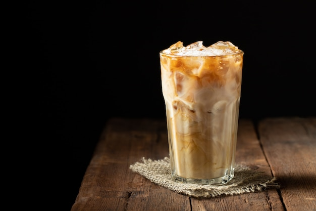Twee glazen koude koffie.
