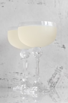 Twee glazen white lady cocktail
