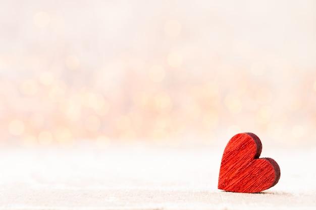 Twee harten. valentijnsdag wenskaart met bokeh achtergrond.