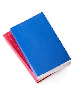 Twee heldere boeken op een witte achtergrond