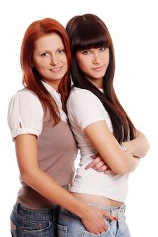Twee jonge en mooie zussen