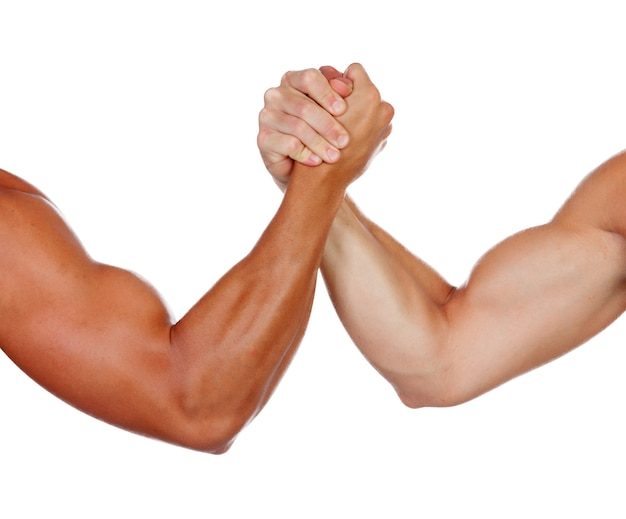 Twee krachtige mannen arm worstelen