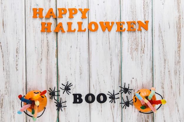 Twee leuke manden en happy halloween bijschrift