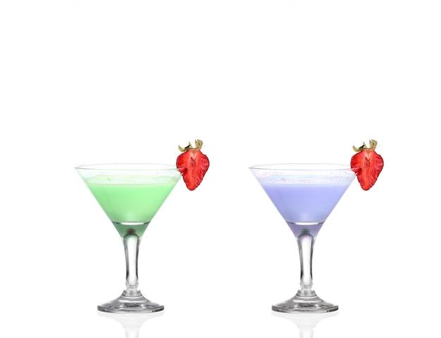 Twee martini-glazen met gekleurde cocktails - hoera !!
