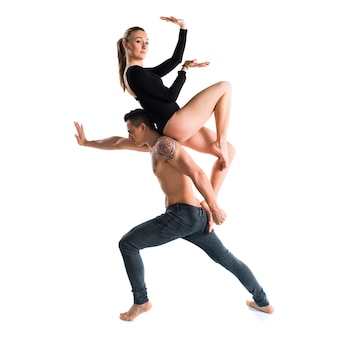 Twee mensen dansen