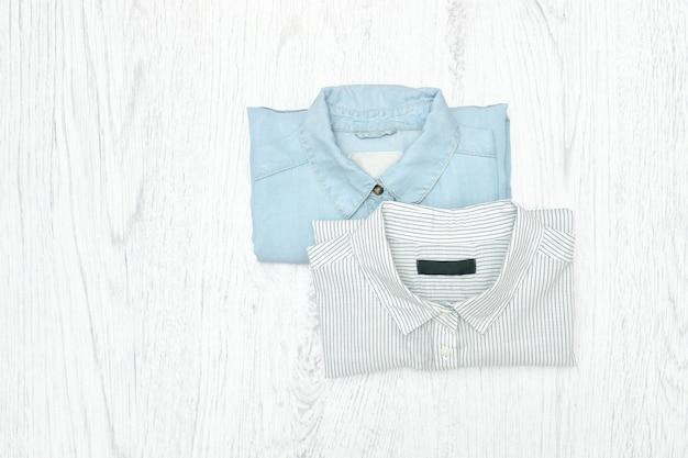 Twee overhemden. modieus concept. assortiment