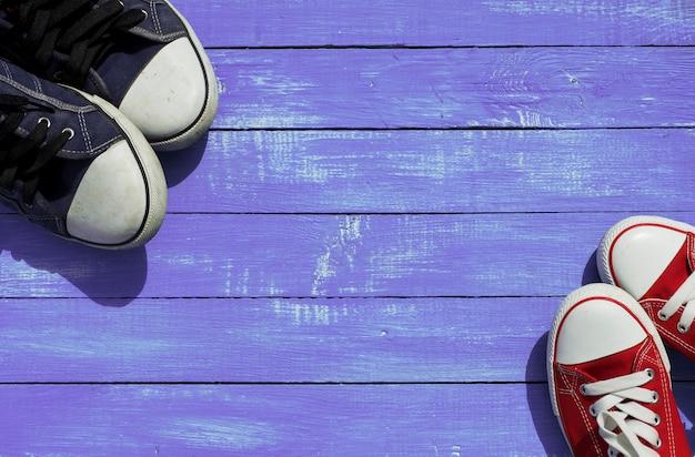 Twee paar sportschoenen