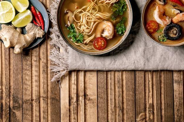 Twee pittige aziatische soepen