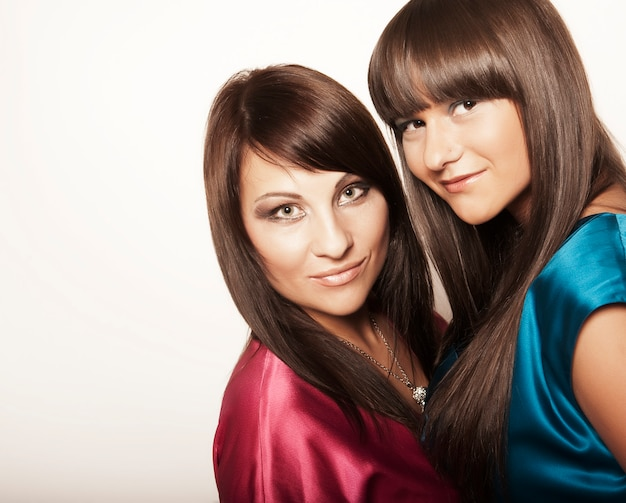 Twee sexy jonge meisjes