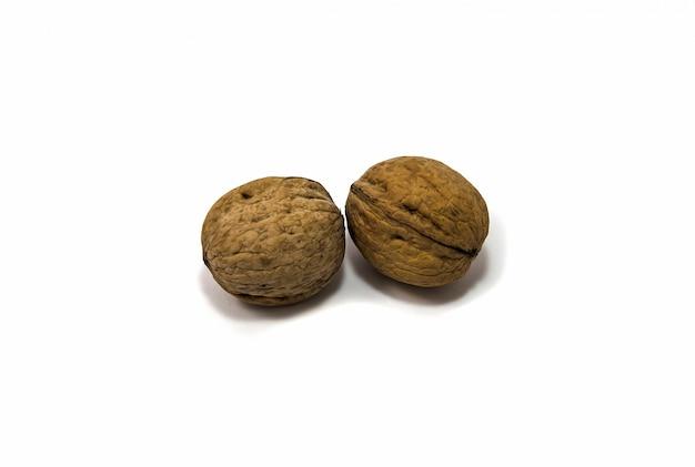 Twee sterke walnoten