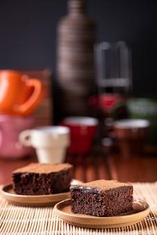 Twee stukken chocoladetaart