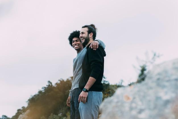 Twee vrienden in de bergen