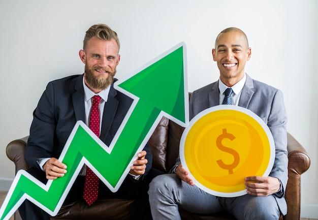 Twee zakenman zittend op een bank