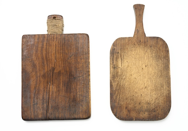 Twee zeer oude lege keuken houten planken op witte achtergrond