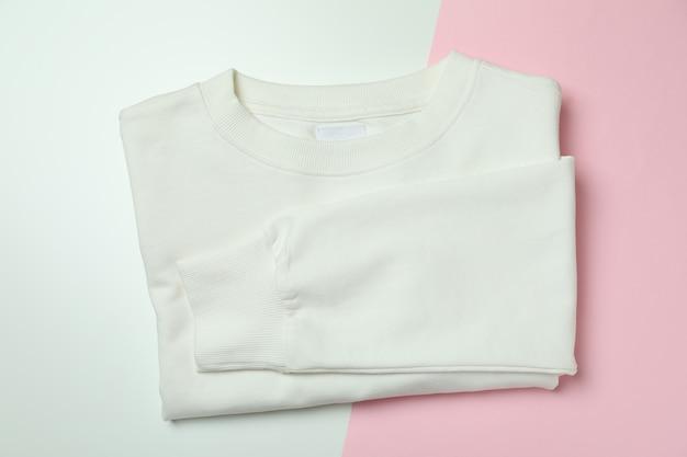 Tweekleurig gevouwen wit sweatshirt