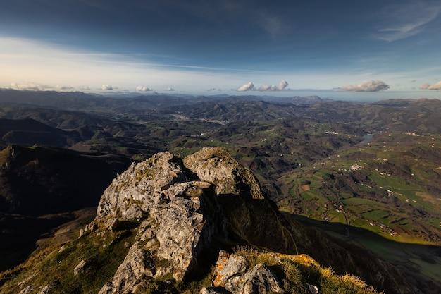 Txindoki-piek met het geweldige uitzicht op heel baskenland.