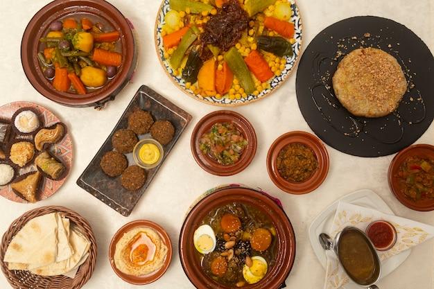Typisch eten van marokko van bovenaf gezien.