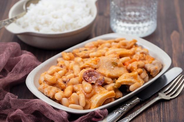 Typisch portugees eten dobrada