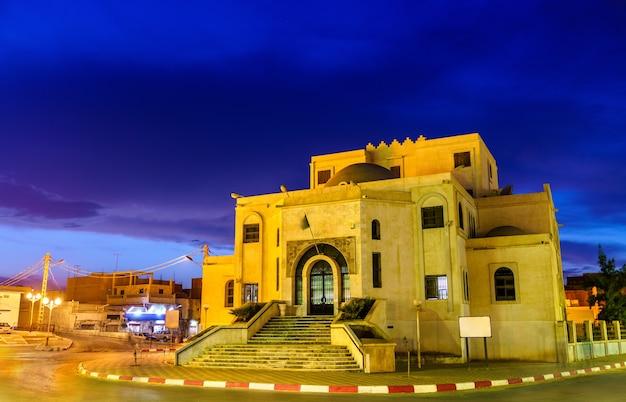 Typische gebouwen in touggourt - provincie ouargla, algerije