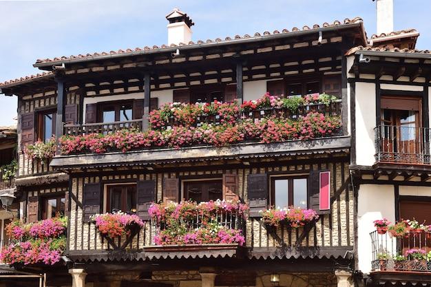 Typische huizen van het middeleeuwse dorp la alberca, provincie salamanca, castilla y leon, spanje