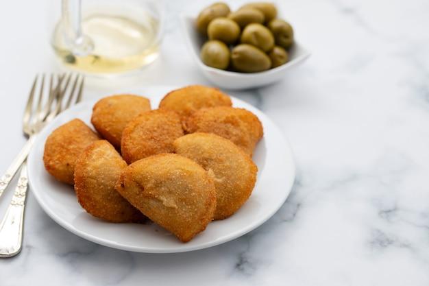 Typische portugese snack met vlees