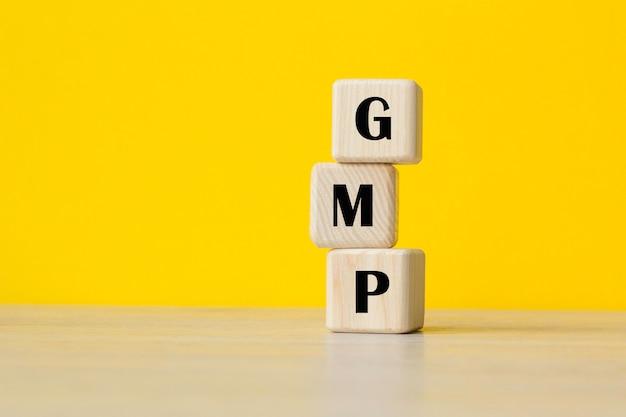 U kunt gebruiken in zaken, marketing en andere concepten. messege van de dag. gmp - bedrijfsconcept. good manufacturing practice - bedrijfsconcept