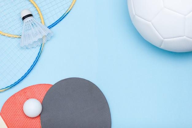 Uitrusting voor voetbal, badminton en tafeltennis