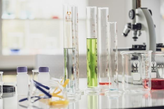 Uitrustingen in het laboratorium