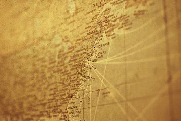 Uitstekende new york-kaart met oude grungedocument textuurachtergrond