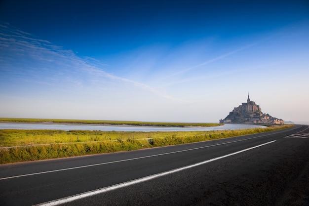 Uitzicht op de abdij van mont saint michel