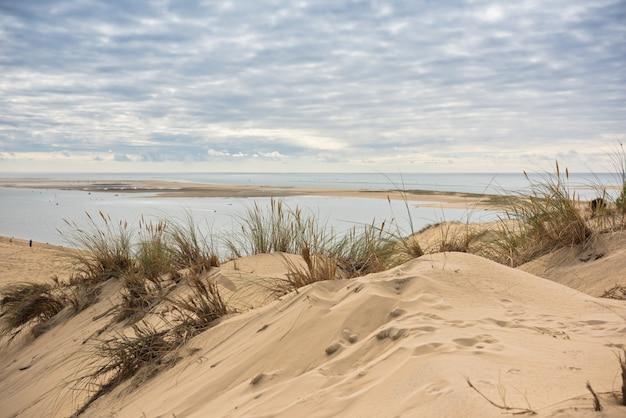 Uitzicht op de baai van arcachon en de duna van pyla, frankrijk