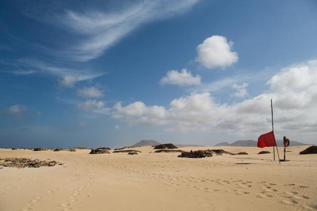Uitzicht op de duinen in corallejo, spanje, fuerteventura Premium Foto
