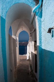 Uitzicht op de griekse archipel van santorini overdag.