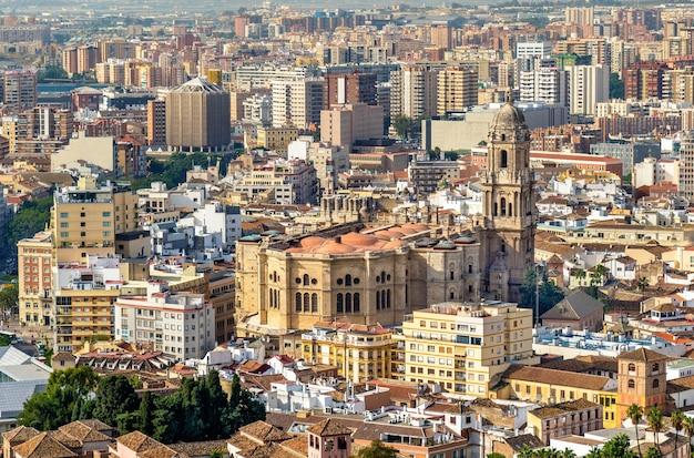 Uitzicht op de kathedraal van malaga in andalusië, spanje