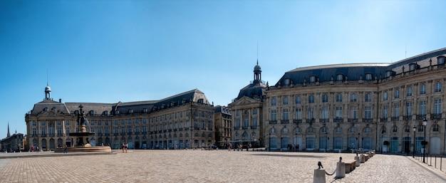 Uitzicht op de place de la bourse in bordeaux, frankrijk