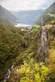 Uitzicht op geiranger fjord noorwegen