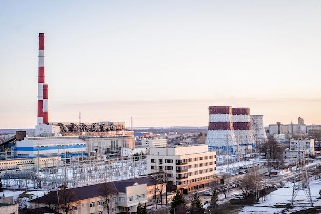 Uitzicht op het industriële productiegebied in de stad