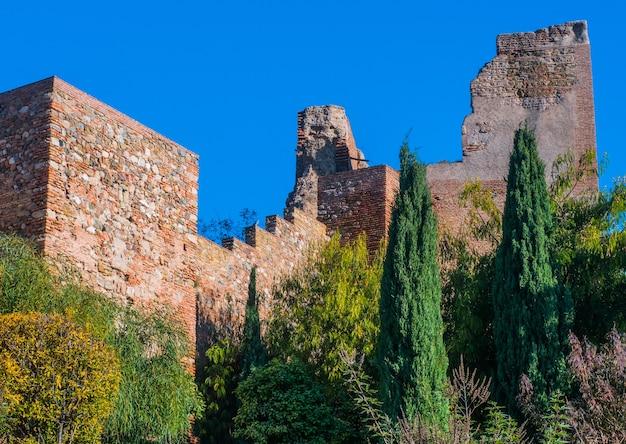 Uitzicht op het kasteel van alcazaba in malaga