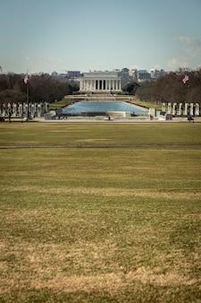 Uitzicht op het lincoln memorial in de middag in washington dc, usa.
