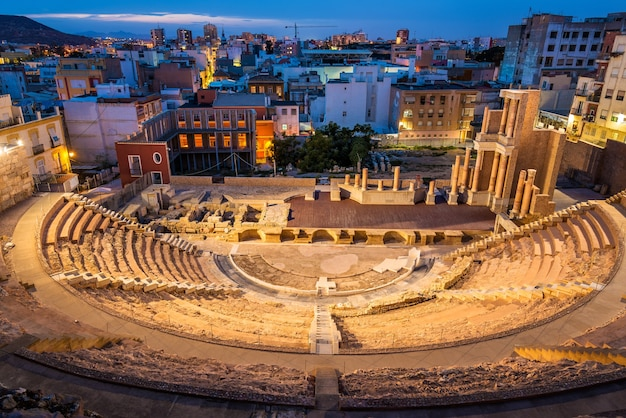 Uitzicht op het romeinse theater in cartagena, spanje