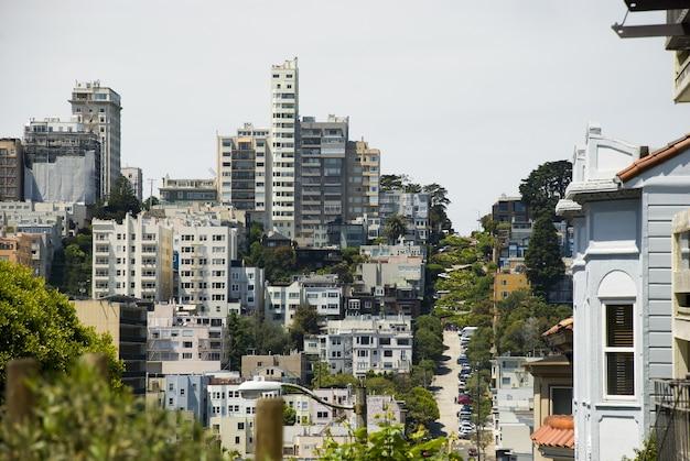 Uitzicht op huizen van russische heuvel in san francisco, californië